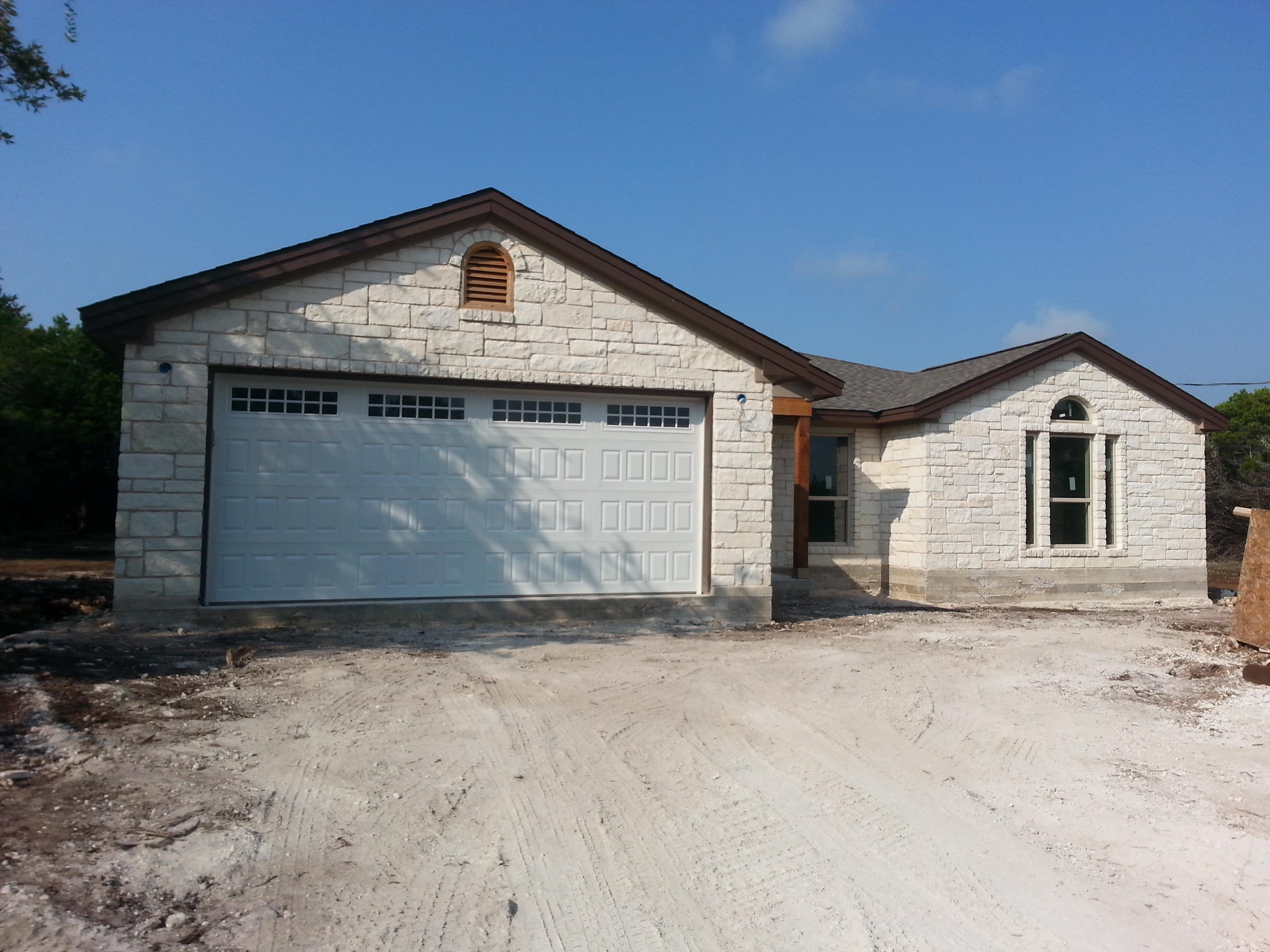 8004 Flintlock Cir, Lago Vista, TX 78645